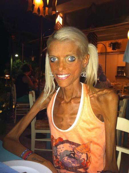 Skinny blonde pussy