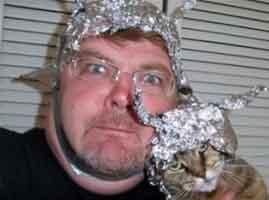 tin-foil-man-cat